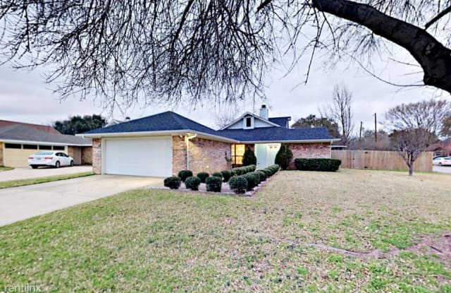2221 Markland Street - 2221 Markland Street, Irving, TX 75060