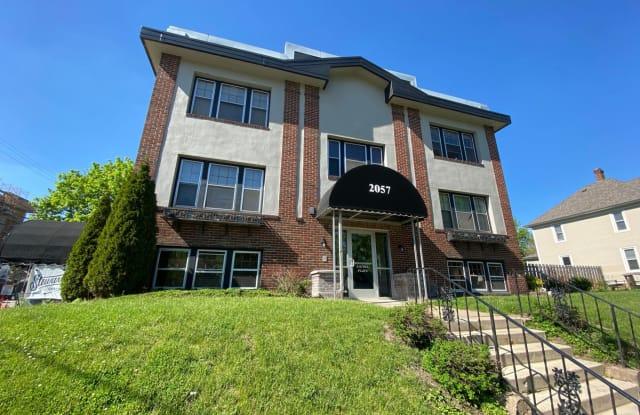 Laurel Flats - 2057 Laurel Avenue, St. Paul, MN 55104