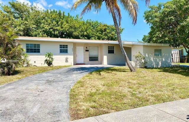 3751 NW 25th St - 3751 Northwest 25th Street, Lauderdale Lakes, FL 33311
