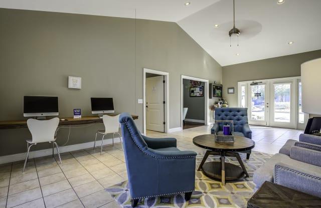 Silvana Oaks - 8439 Dorchester Rd, North Charleston, SC 29420