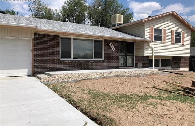 206 Catalina Place - 206 Catalina Place, Stratmoor, CO 80906