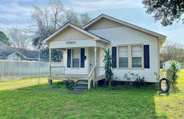 6560 Howe Street - 6560 Howe Street, Groves, TX 77619