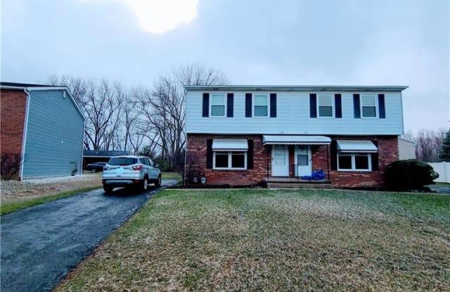 1338 Maplecrest Dr - 1338 Maplecrest Drive, Austintown, OH 44515