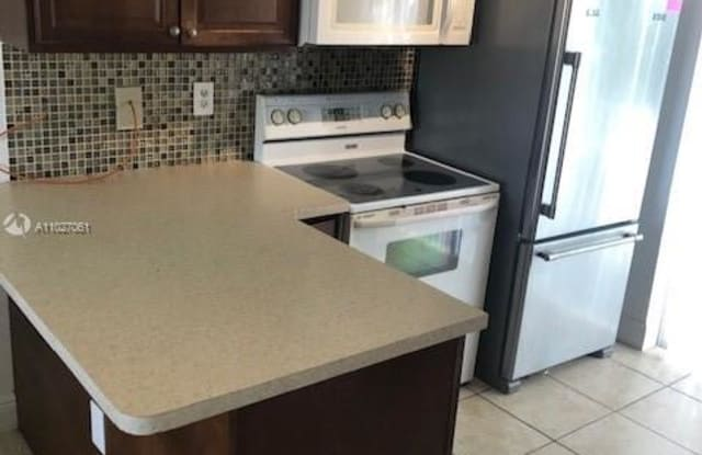 7991 SW 152nd Ave - 7991 SW 152nd Ave, Kendall West, FL 33193