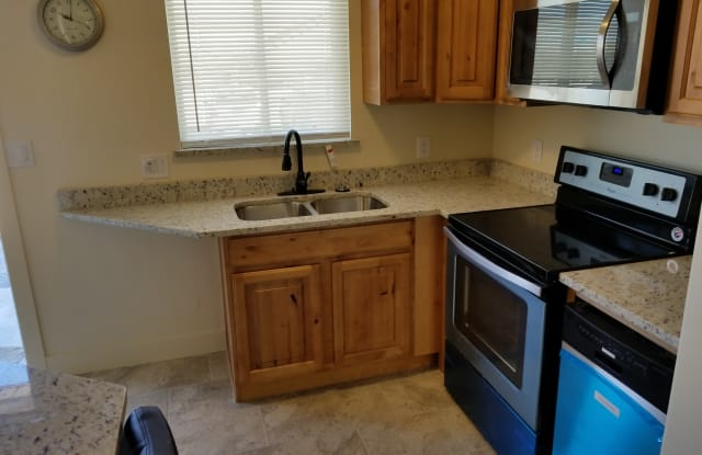 4888 W 4100 S - 4888 4100 South, West Valley City, UT 84120