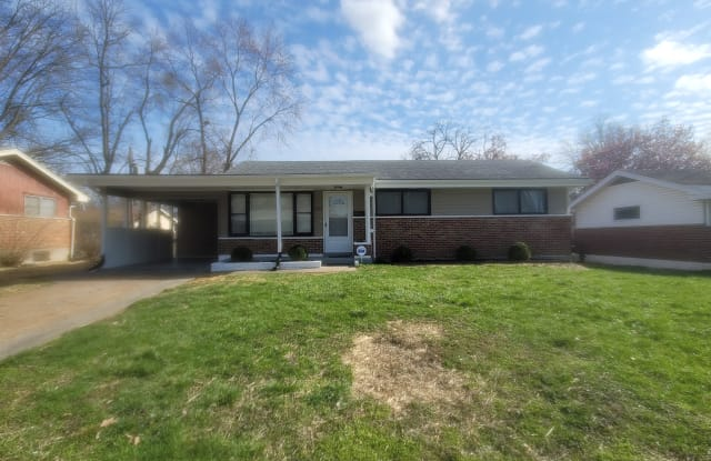 2212 Lovett Dr - 2212 Lovett Drive, Moline Acres, MO 63136