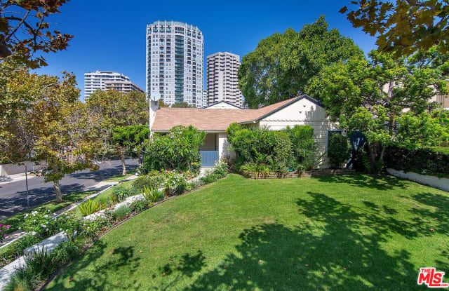 10537 Rochester Ave - 10537 Rochester Avenue, Los Angeles, CA 90024