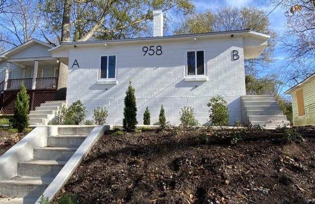 958 SW Smith - 958 Smith St SW, Atlanta, GA 30310