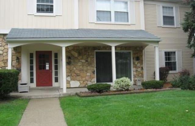 790 BLOOMFIELD VILLAGE BLVD - 790 Bloomfield Village Boulevard, Auburn Hills, MI 48326