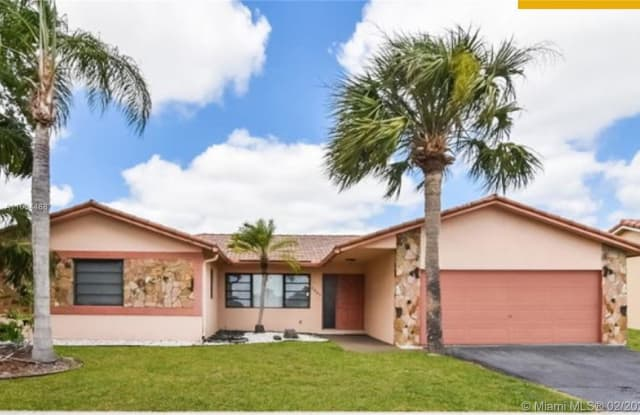 7897 NW 18th Ct - 7897 NW 18th Ct, Margate, FL 33063