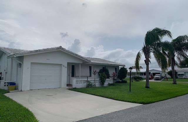 1210 SW 20 Avenue - 1210 Southwest 20th Avenue, Boynton Beach, FL 33426