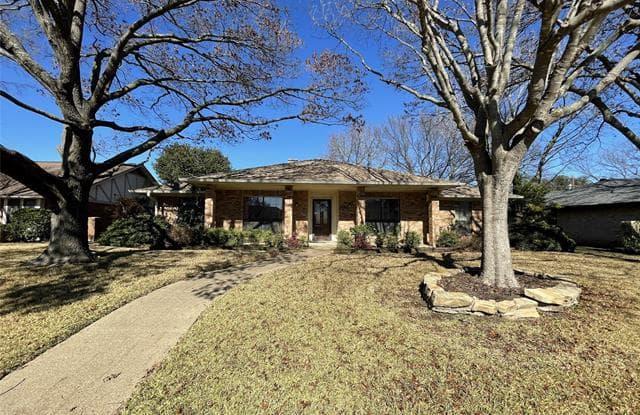 343 Hummingbird Lane - 343 Hummingbird Lane, Duncanville, TX 75137