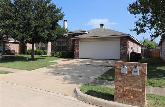 3940 Thoroughbred Trail - 3940 Thoroughbred Trail, Fort Worth, TX 76123