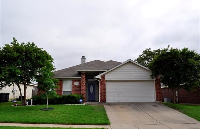 1114 Greenview Lane - 1114 Greenview Lane, Kennedale, TX 76060