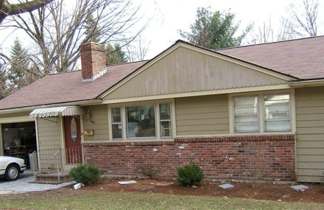 Natick Hartford Street House - 164 Hartford Street, Middlesex County, MA 01760
