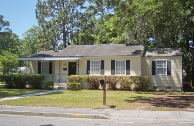 9 Blue Ridge Ave - 9 Blue Ridge Avenue, Savannah, GA 31404