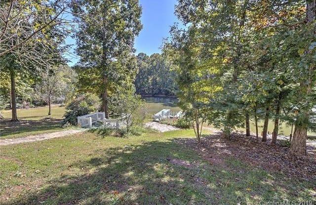 8725 Dog Leg Road - 8725 Dog Leg Road, Lake Norman of Catawba, NC 28673