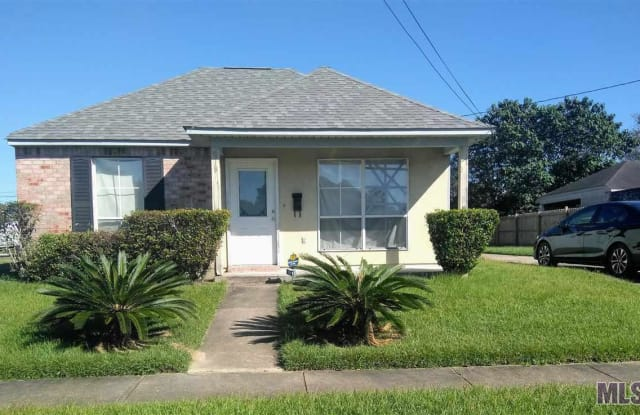 918 WOODHILL DR - 918 Woodvine Drive, Baton Rouge, LA 70806