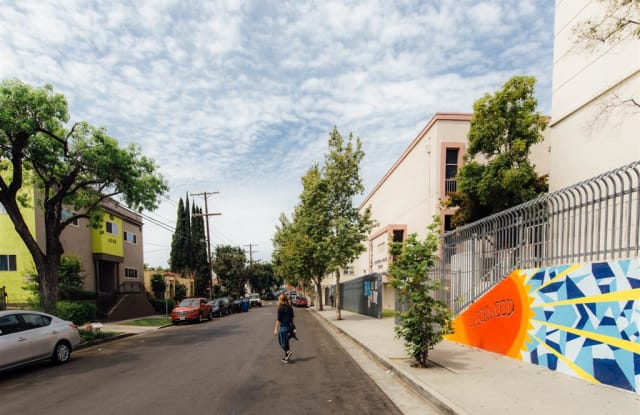 4348 Lockwood Ave - 4348 Lockwood Avenue, Los Angeles, CA 90029