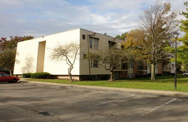 Whispering Oaks - 4314 Dresden St, Columbus, OH 43224
