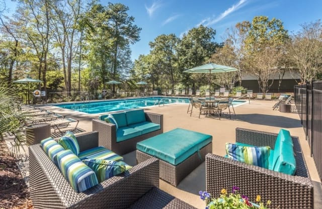 Woods Edge Apartments - 4655 Hope Valley Rd, Durham, NC 27707