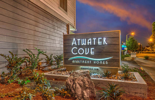 Atwater Cove - 425 Merrimac Way, Costa Mesa, CA 92626