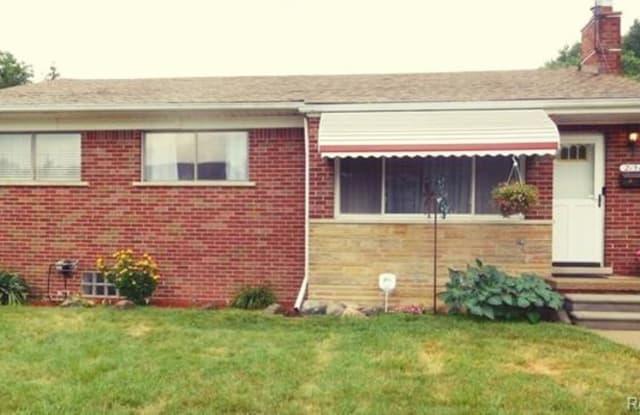 21511 Behrendt AVE - 21511 Behrendt Avenue, Warren, MI 48091