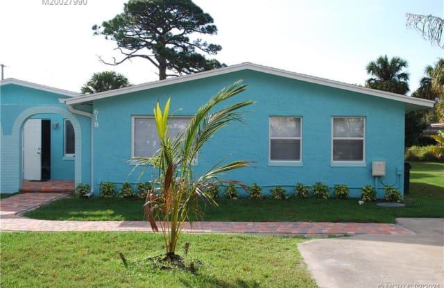 618 SE Ocean Avenue - 618 Southeast Ocean Avenue, Stuart, FL 34996