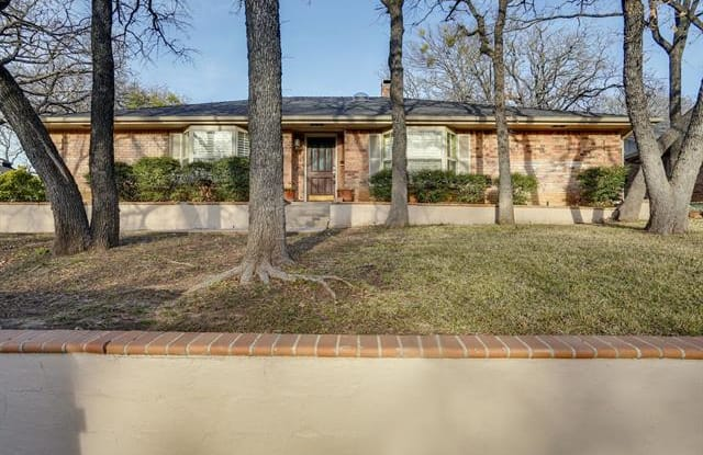 31 Troon Drive - 31 Troon Drive, Trophy Club, TX 76262