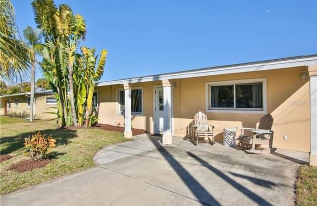 7480 Cass Circle - 7480 Cass Circle, Gulf Gate Estates, FL 34231