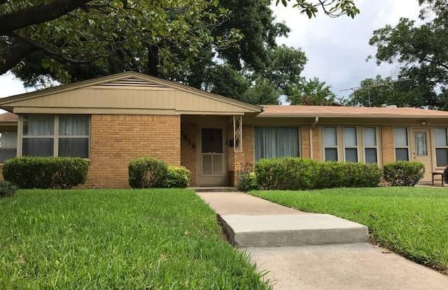 3816 W Spurgeon St - 3816 Spurgeon Street, Fort Worth, TX 76133