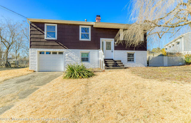 23 Forest Valley Drive - 23 Forest Valley Drive, Toms River, NJ 08755