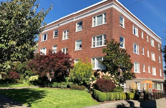 1902 Bigelow Ave N #304 - 1902 Bigelow Avenue North, Seattle, WA 98109