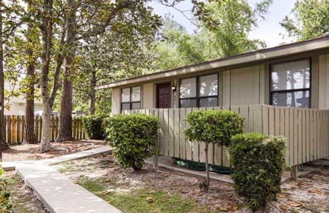 Spring Gate Apartments - 1500 Spring Ave, Panama City, FL 32405