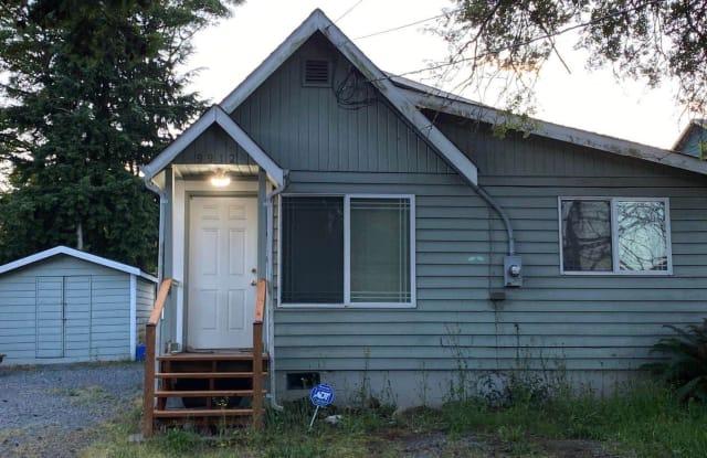 9912 Holly Dr - 9912 Holly Drive, Everett, WA 98204