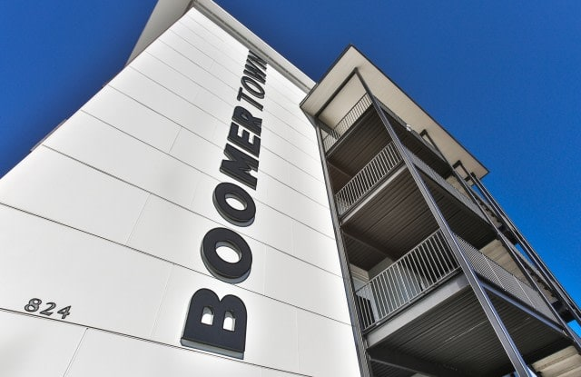 Boomer Town - 824 South National Avenue, Springfield, MO 65804