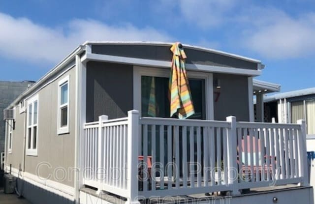 531 PIER AVE - 531 Pier Avenue, Hermosa Beach, CA 90254