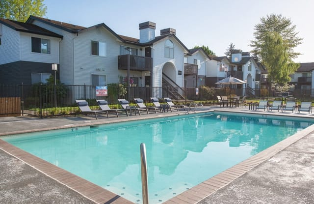 Alister Parx Apartments - 605 Center Rd, Everett, WA 98204