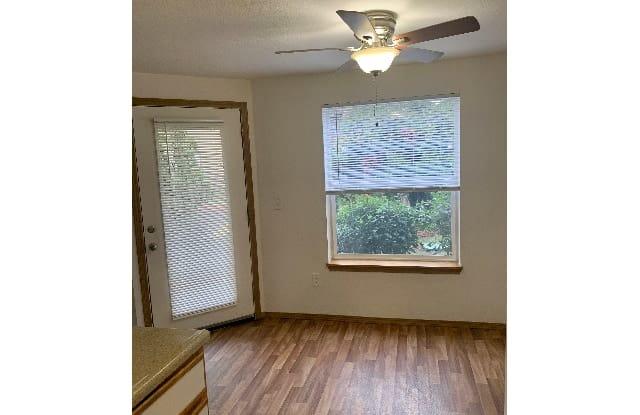Kruse Villa - 15370 Bangy Road, Lake Oswego, OR 97035