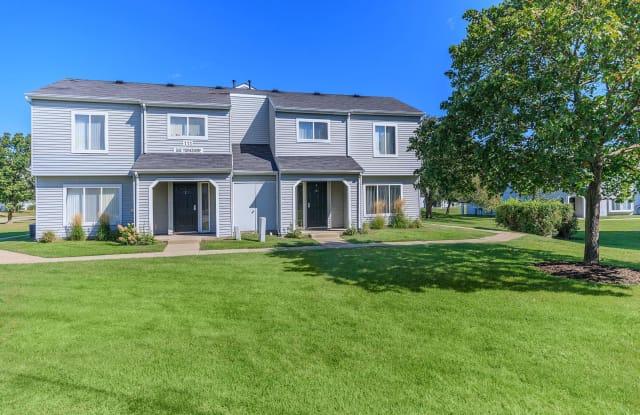 Oaks at Hampton Apartments - 643 Dorchester Drive #225, Rochester Hills, MI 48307