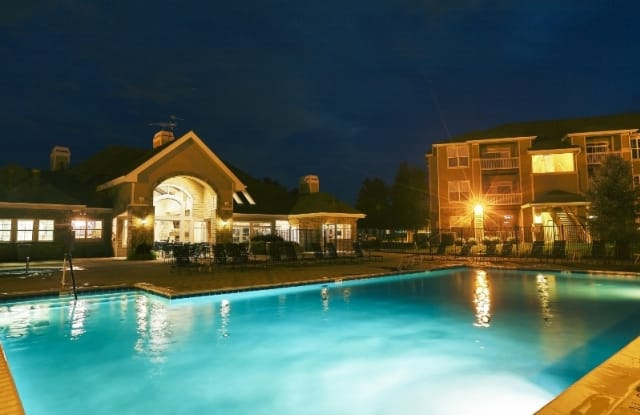 Fox Ridge Apartments - 3800 Pike Rd, Longmont, CO 80503