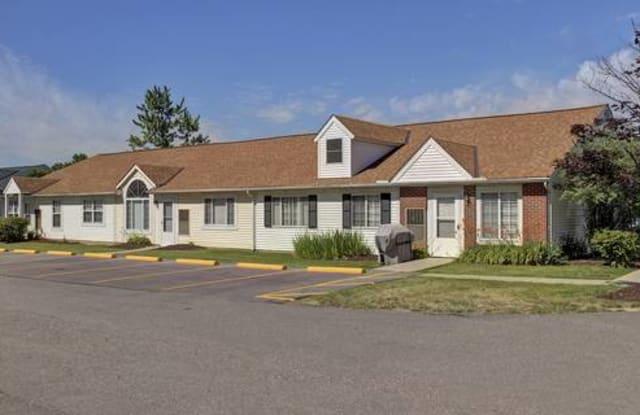 Lake Park Village - 1738 State Route 303, Streetsboro, OH 44241