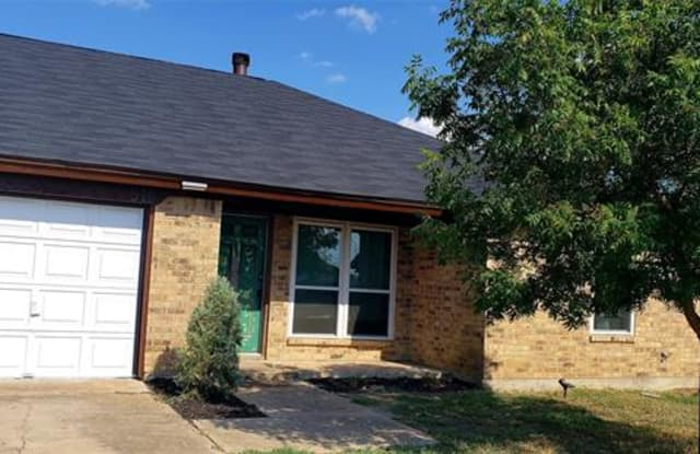 517 Signal Hill Court S - 517 Signal Hill Court South, Fort Worth, TX 76112
