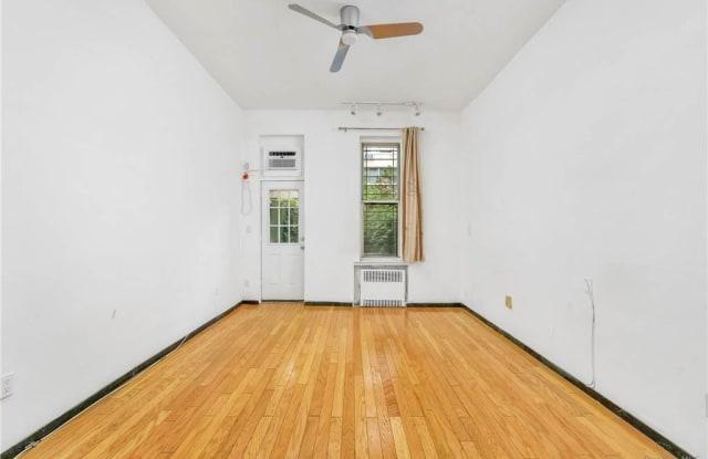 235 E 54th Street - 235 East 54th Street, New York, NY 10022