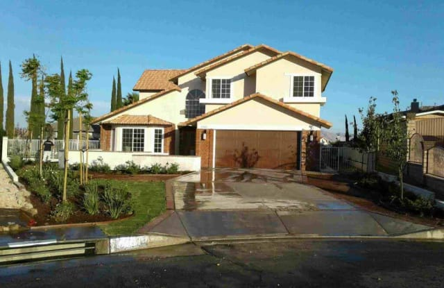 17925 Ferndell Ln - 17925 Ferndell Lane, Spring Valley Lake, CA 92395