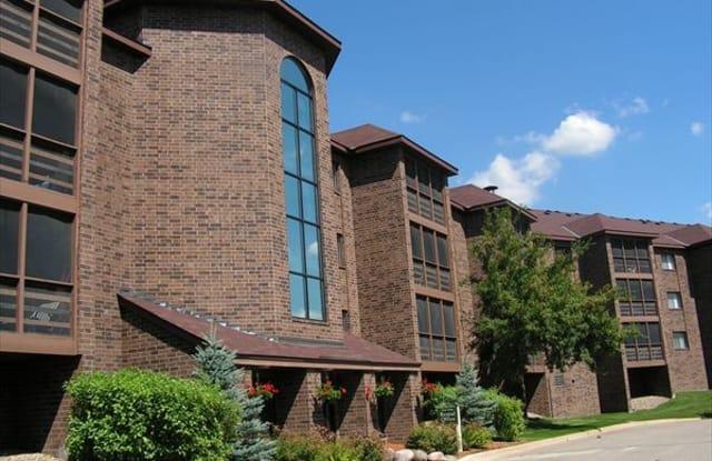 Poplar Bridge Apartments - 9350 Collegeview Rd, Bloomington, MN 55437