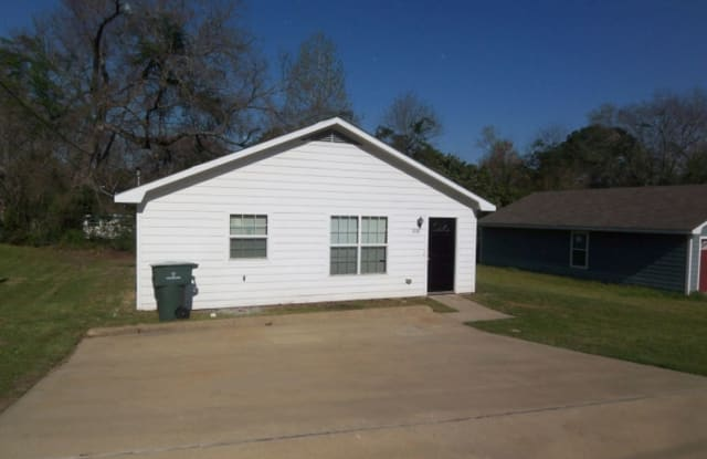 306 Scarborough St - 306 Scarborough Street, Nacogdoches, TX 75961