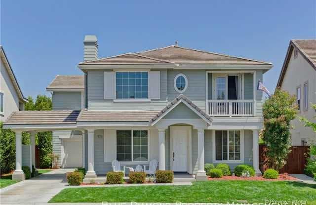 1584 Glencrest Dr - 1584 Glencrest Drive, San Marcos, CA 92078