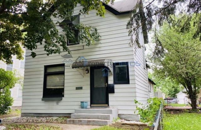 114 Cook Avenue West - 114 West Cook Avenue, St. Paul, MN 55117