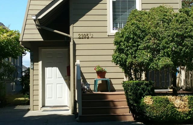 2105 10th Ave. W - 2 - 2105 10th Avenue West, Seattle, WA 98119